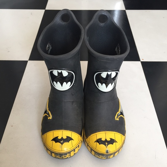ec3ec3076 Crocs shoes croc bump it batman rain boots poshmark jpg 580x580 Batman croc  rain boots